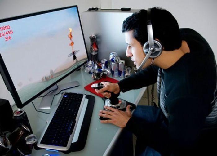 увлеченный компьютерной игрой